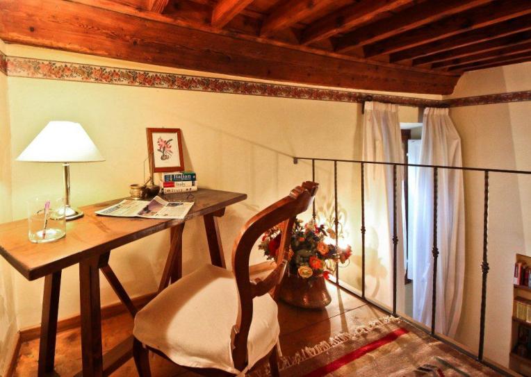 Study Loft - Florence Apartment