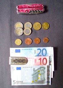 Leatherman Juice C2 muliti-tool, Euro coins and currency, and money clip