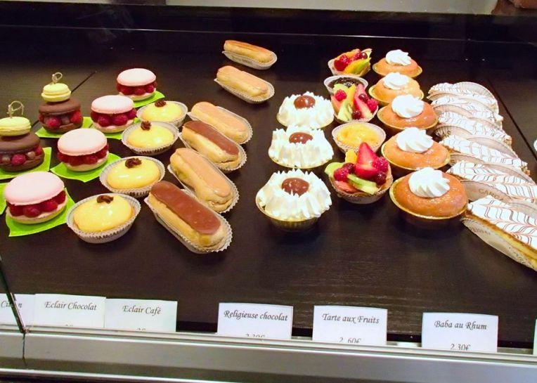 Pâtisserie Display
