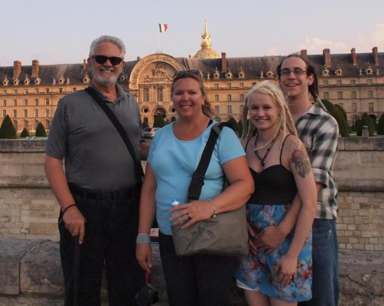 Alan, Tracy, Liz, and Adam in front of L'Hôtel National des Invalides