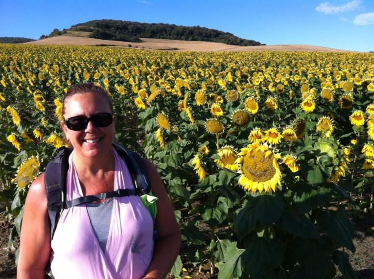 Tracy with the happy sunflowers near Tosantos