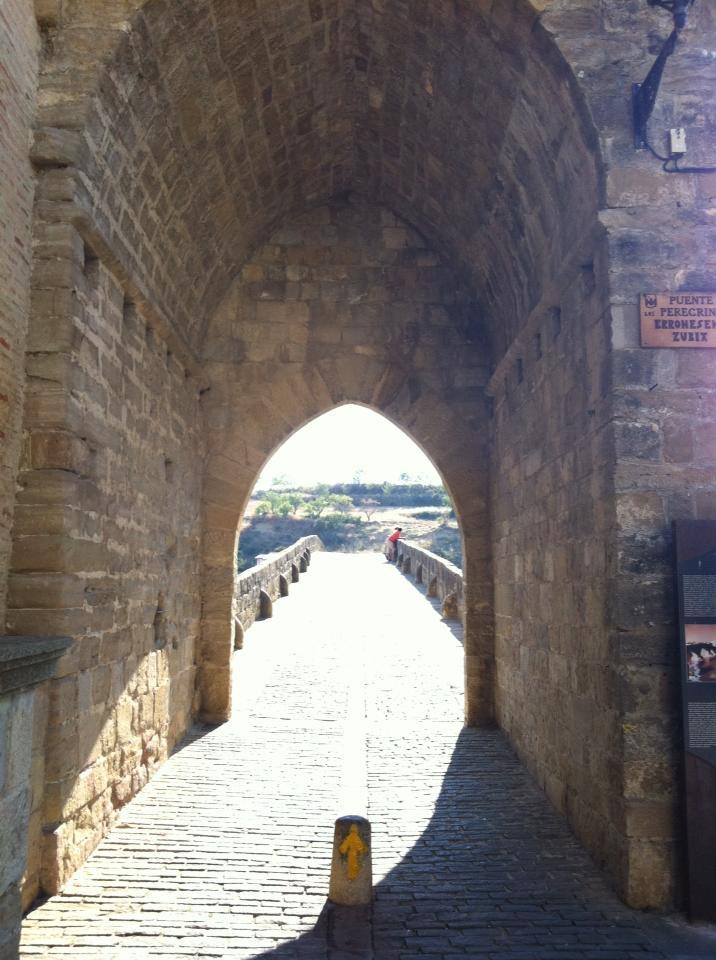 Entrance to the Puenta la Reina  bridge