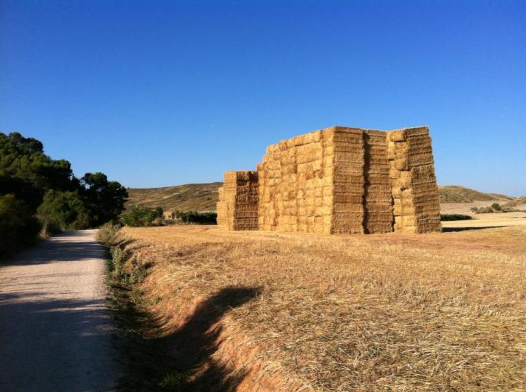 Haybales on the trail to Sansol