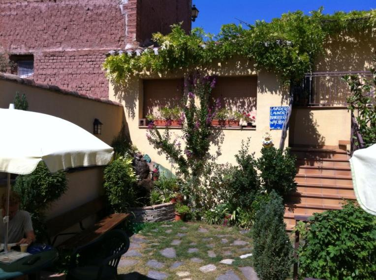 Rear patio of the San Saturnino albergue in Ventosa where we stayed