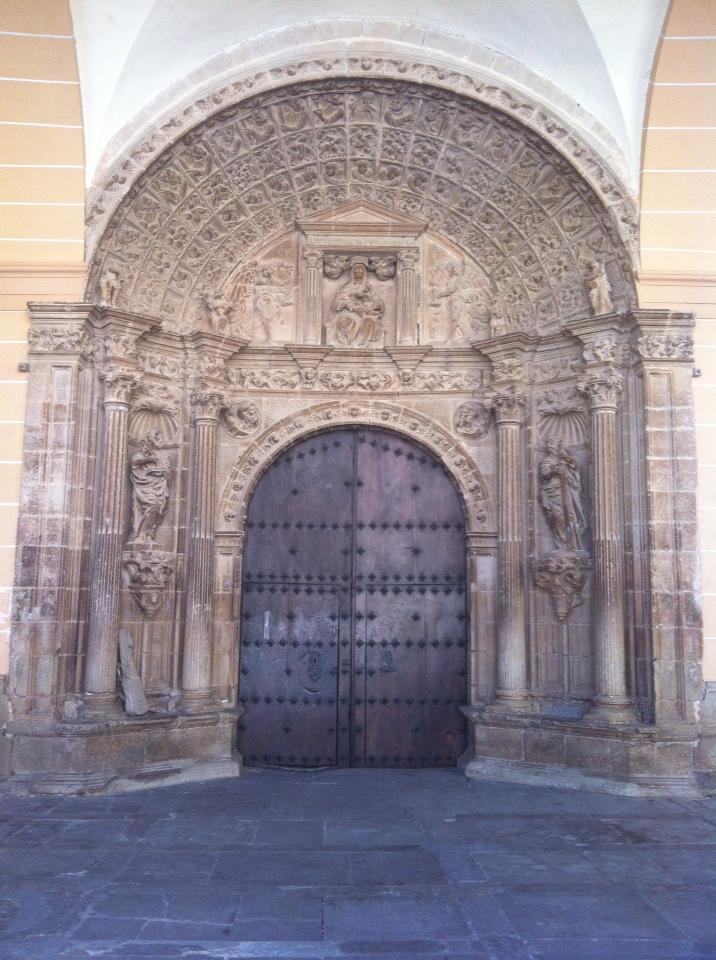 Entryway to Iglesia de Santa Maria de los Arcos, 12th century