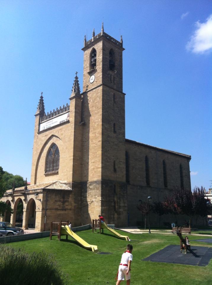 Church and playground near Uterga