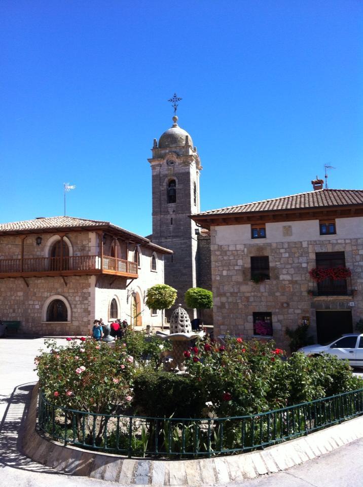 Town square, Rabe de las Calzados