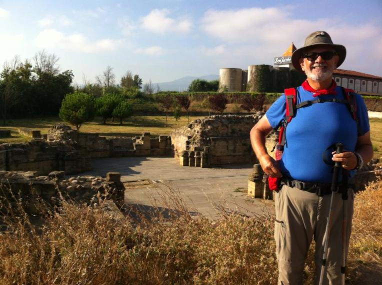Alan at the ruins of San Juan de Acre, 12th century