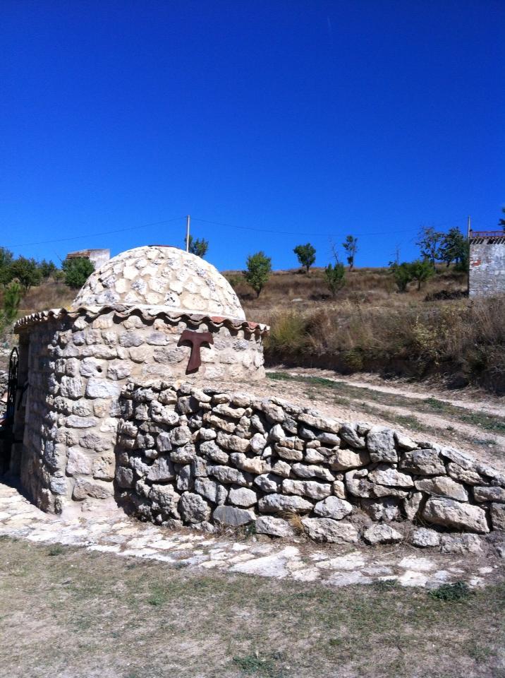 Ermita de Nuestra Senora de Monasterio, Rabe de las Calzadas