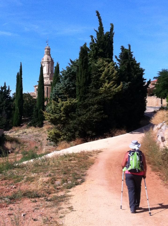 Last climb into Villamayor de Monjardin