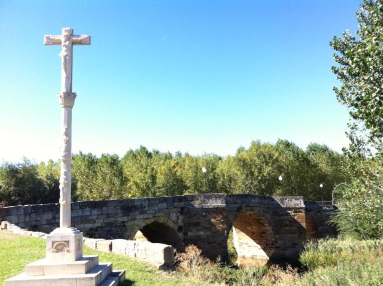 Puente Canto, originally Roman but rebuilt in 11th century, outside Sahagun