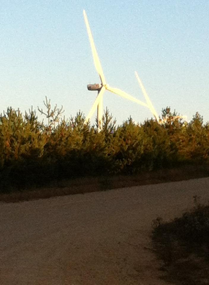 Wind turbines near Monumento de los Caidos