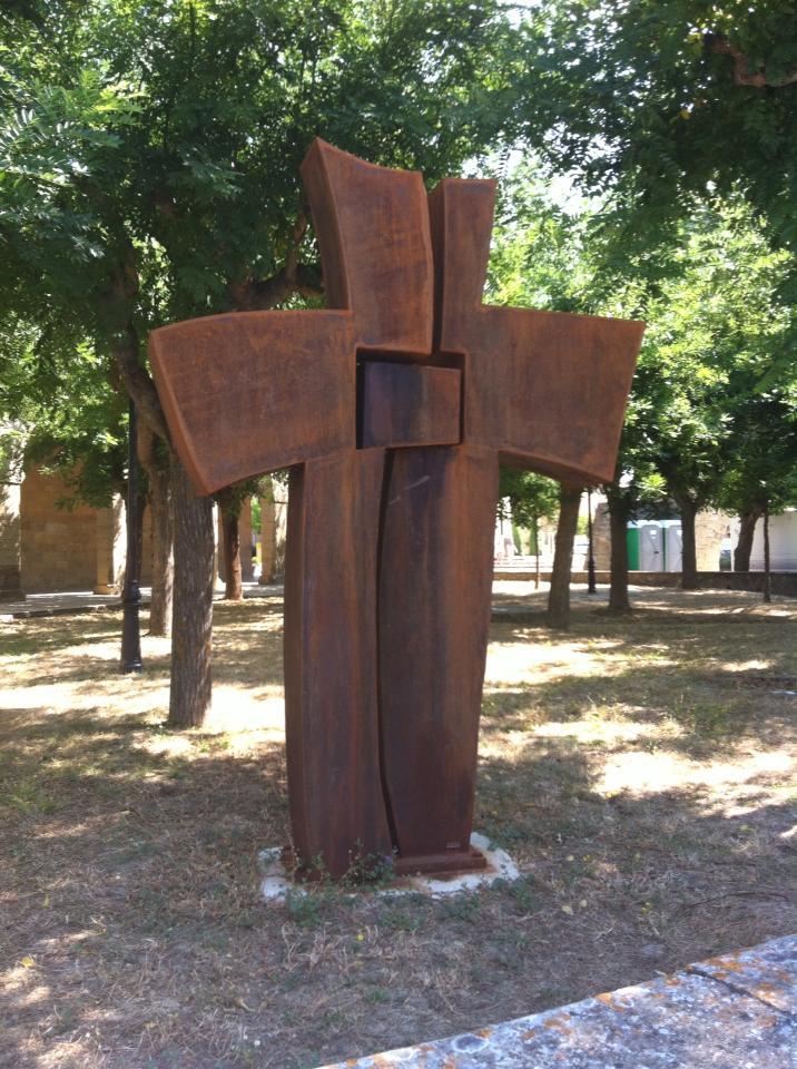 Crucifix art in Uterga