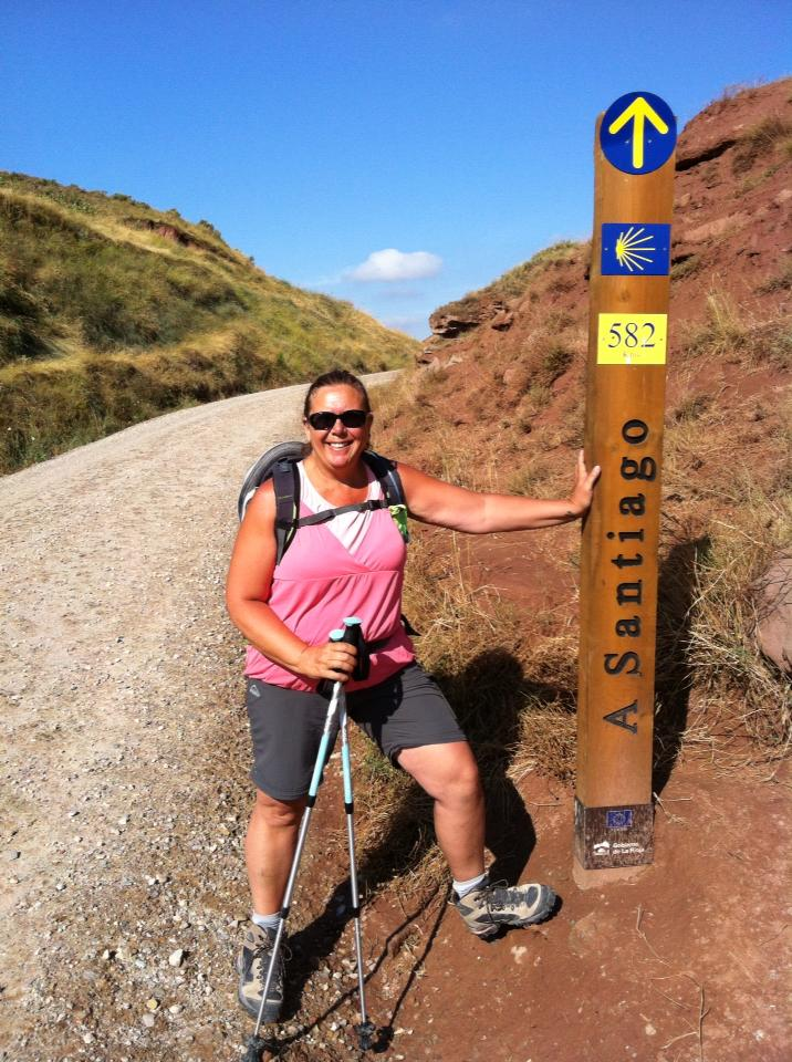 Tracy at the signpost in the Zona Natural outside of Najera