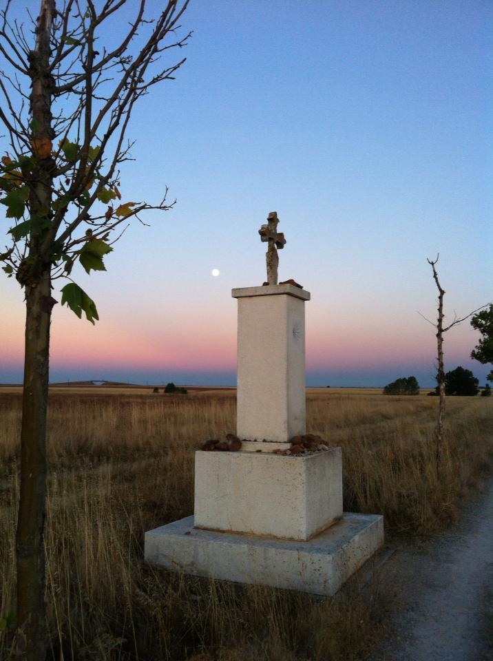 Pilgrim monument outside El Burgo Ranero