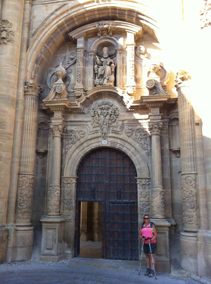Tracy at the portico of Iglesia Santa Maria, 13th century