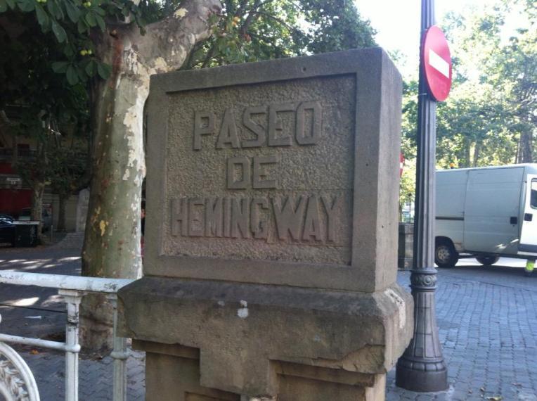 Marker for the street named after Hemmingway
