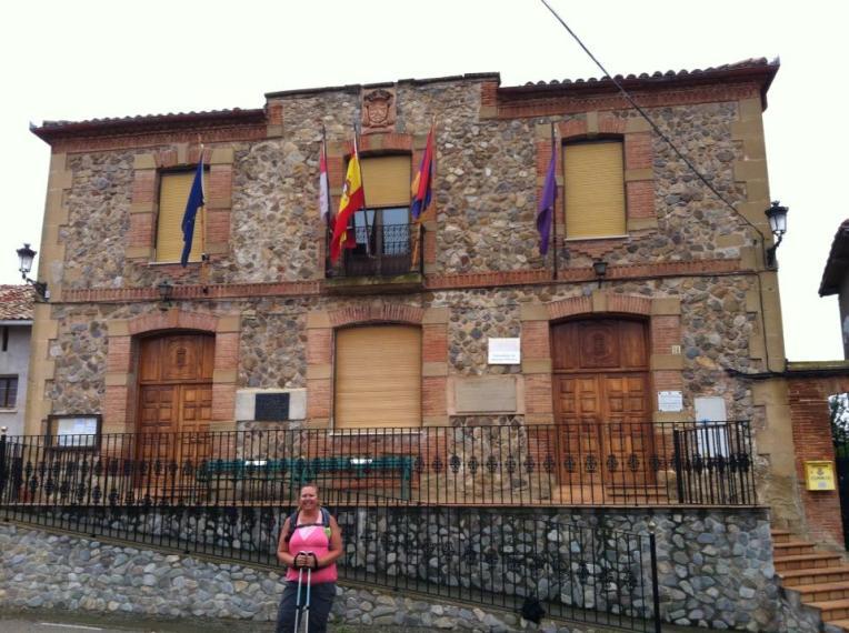 Community building in Castildelgado