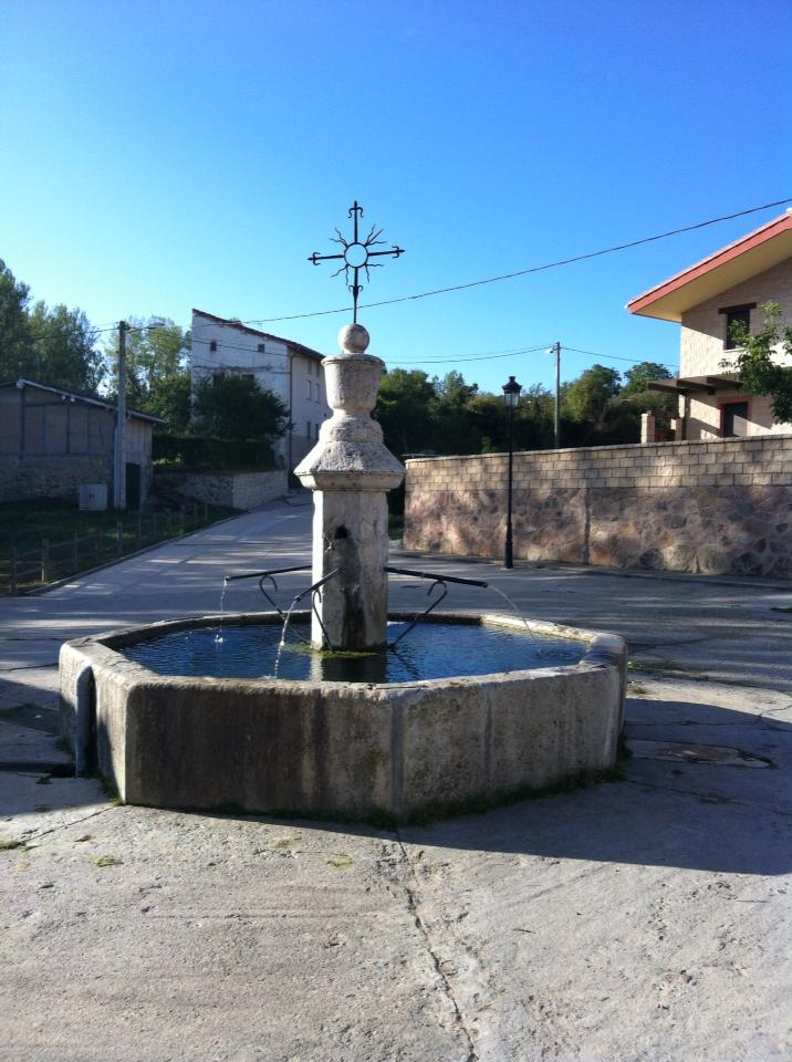 Fountain in Tosantos