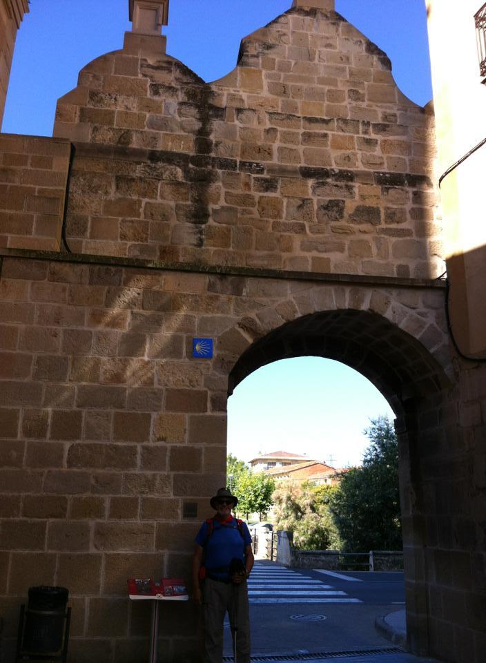 Alan at Portal de Castillo, Los Arcos
