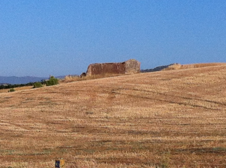 Ruins of Cugullo between Villamayor de Monjardin and Los Arcos