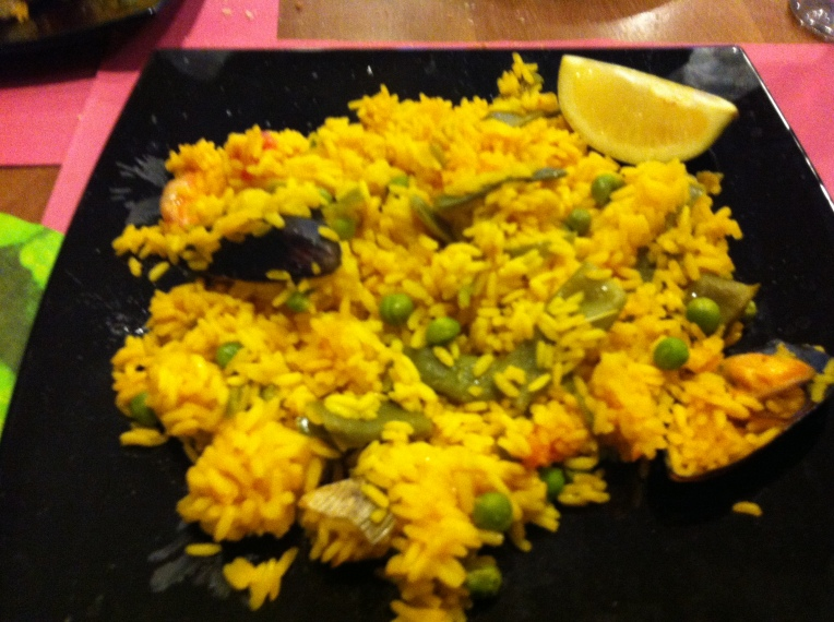 Dinner in Granon, second-course, paella - yummy!