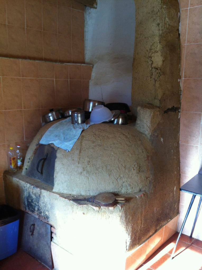 Interesting stove at the albergue in Ledigos