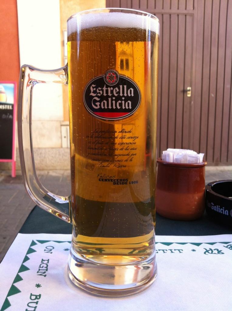 Post-hike beer, Mansilla de las Mulas