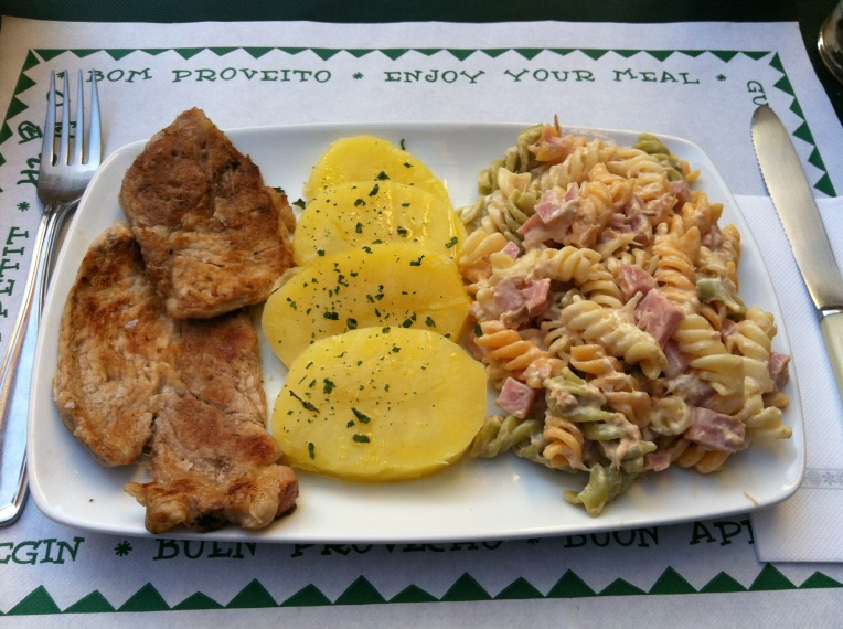 Dinner in Mansilla de las Mulas, not the pilgrim menu