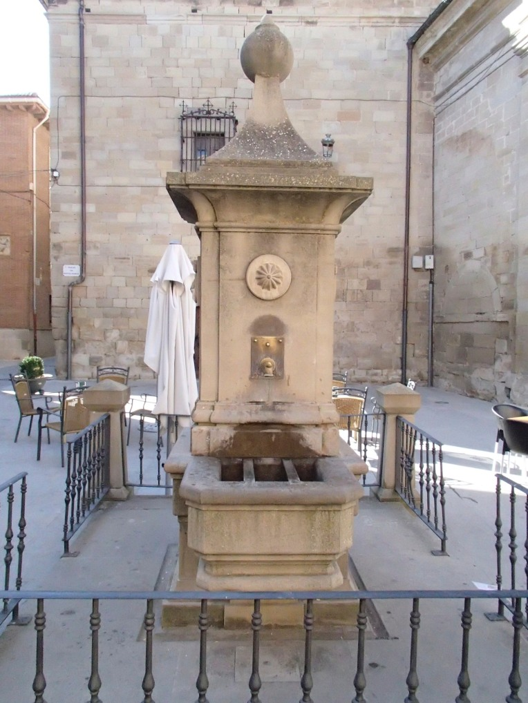 Pilgrim fountain in Plaza de Santa Maria, Los Arcos