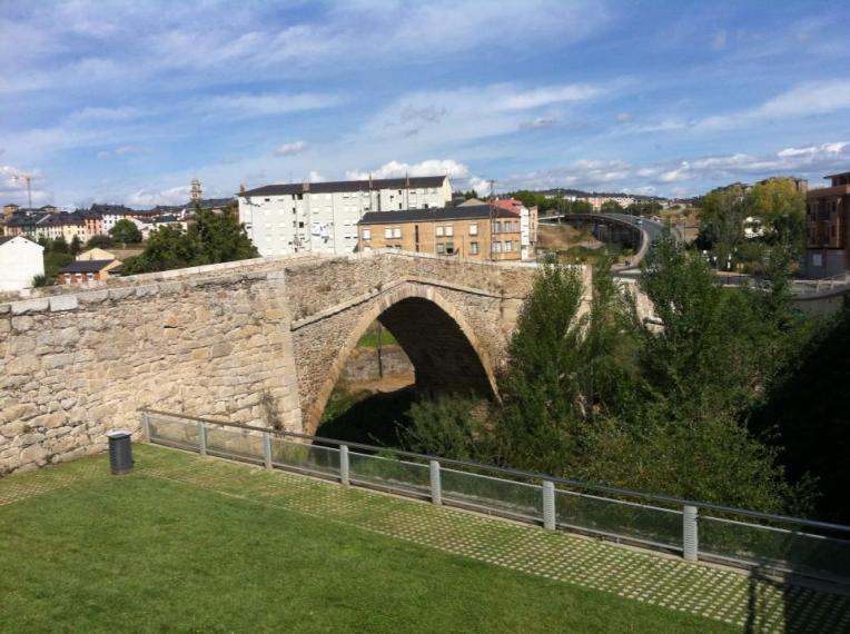 Medieval pilgrim's bridge, Molinaseca
