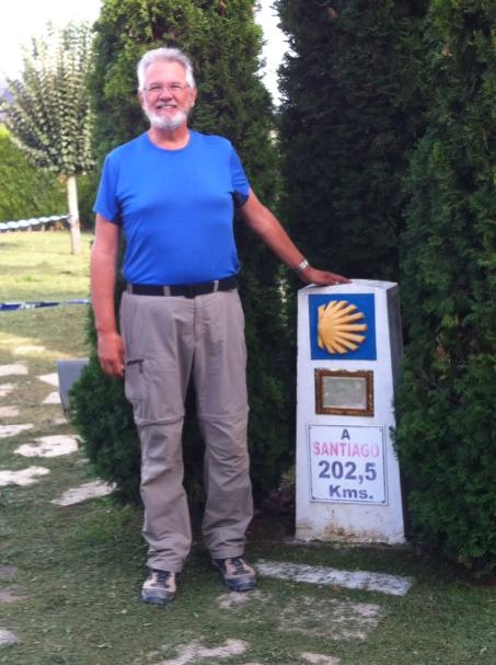 Alan at kilometer marker near El Acebo