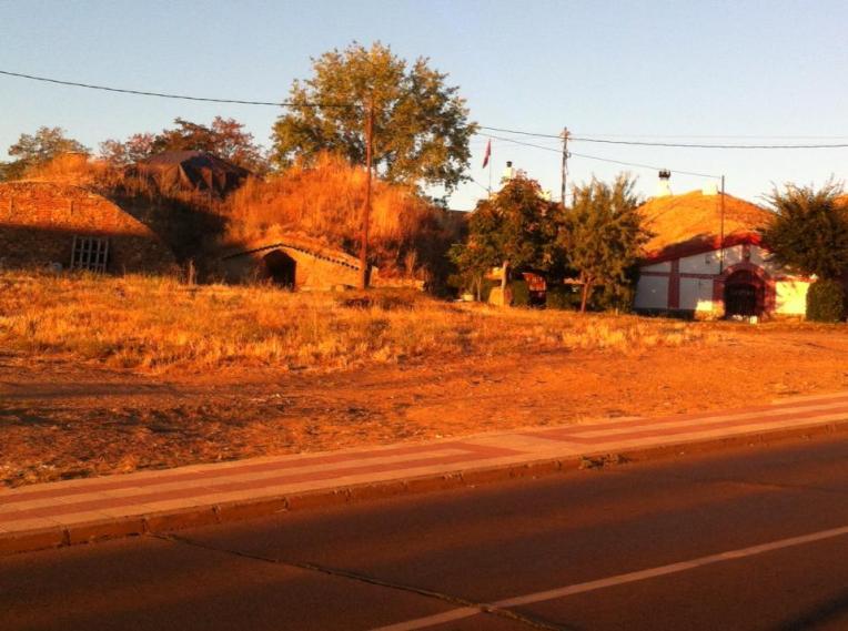 Bodegas, hobbity-homes, suburbs of León
