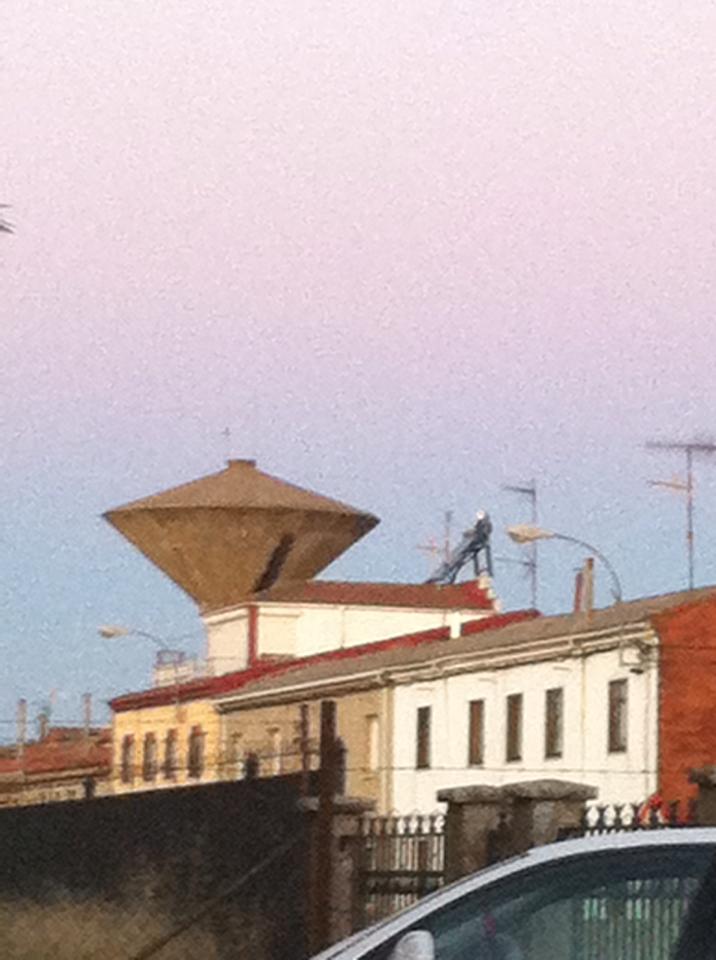 UFO-ish water tower, San Martín del Camino