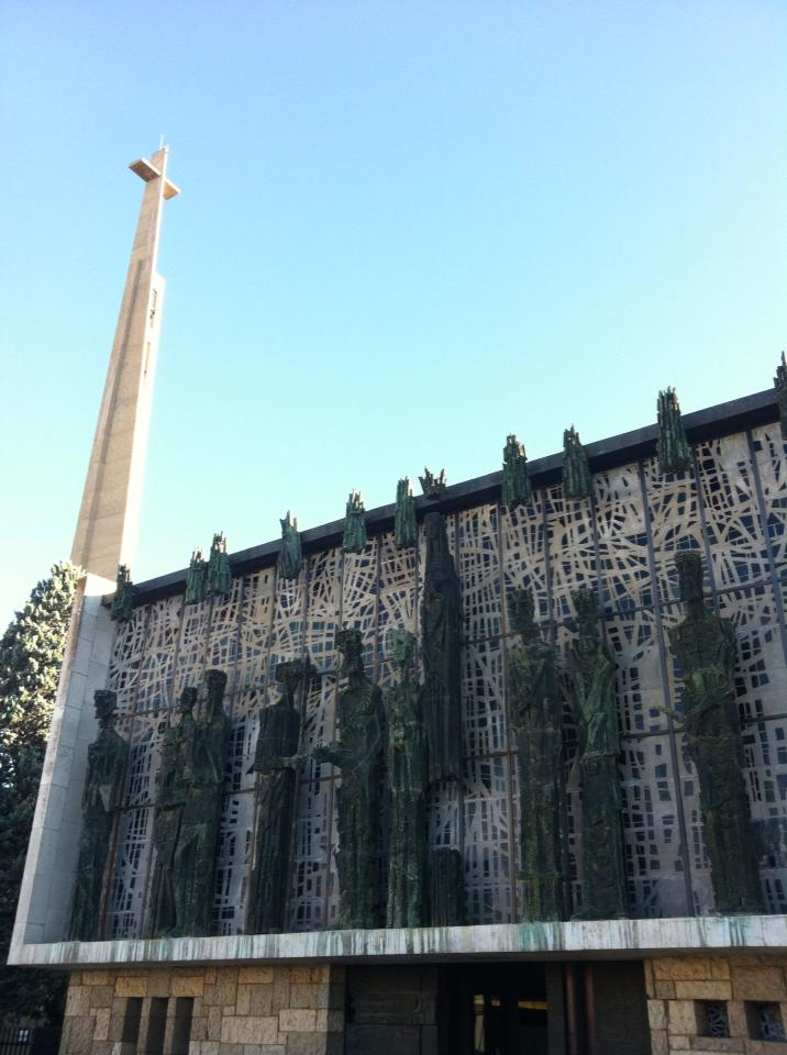1961 church built on the site of shrine from the early 16th century, with bronze statues of the 12 apostles
