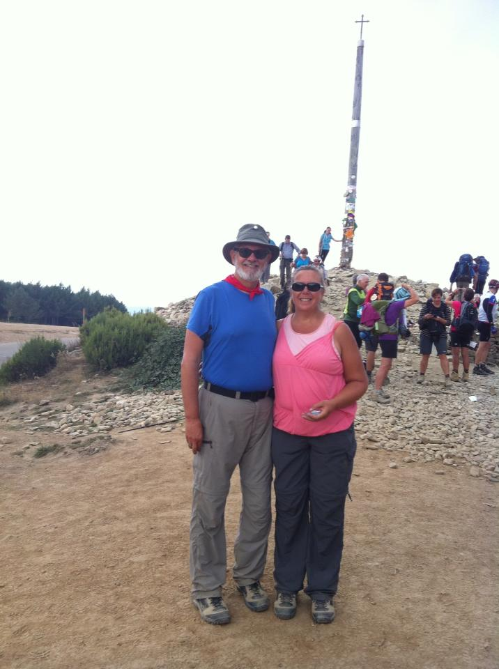 Alan and Tracy at Cruz de Ferro