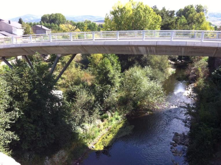 Traffic bridge in Molinaseca