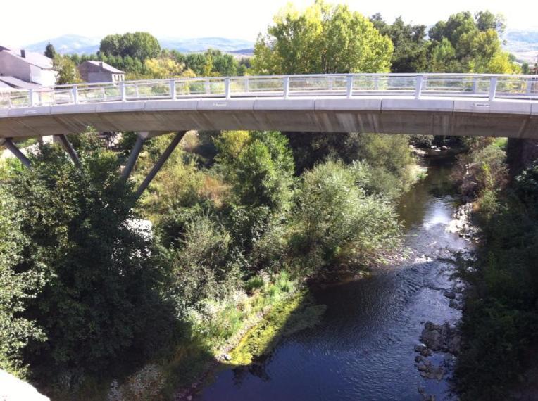 Traffic bridge in Molinaseca