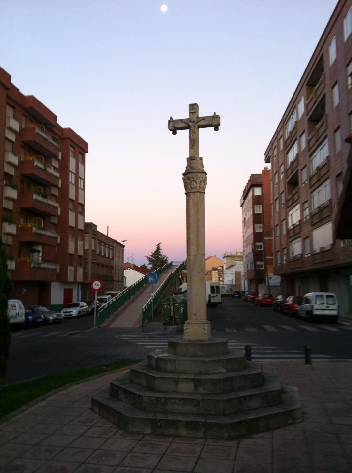 Pilgrim monument with railway overpass in background, León