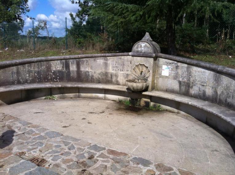 Pilgrim font and rest area near Santa Irene