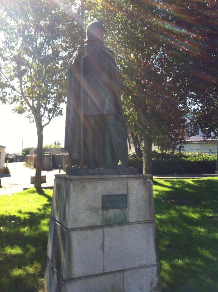Pilgrim statue near Santiago
