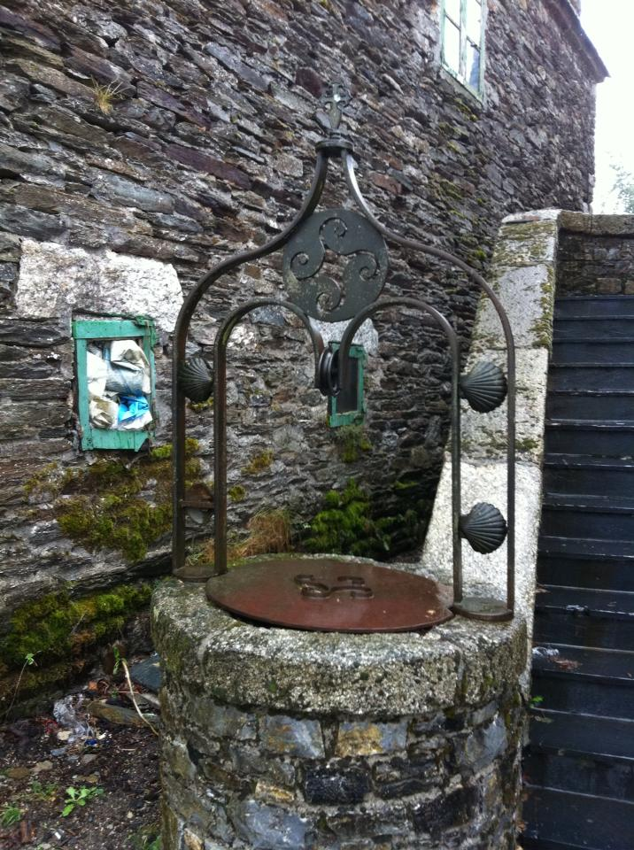 An old pilgrim's well in O'Cebreiro