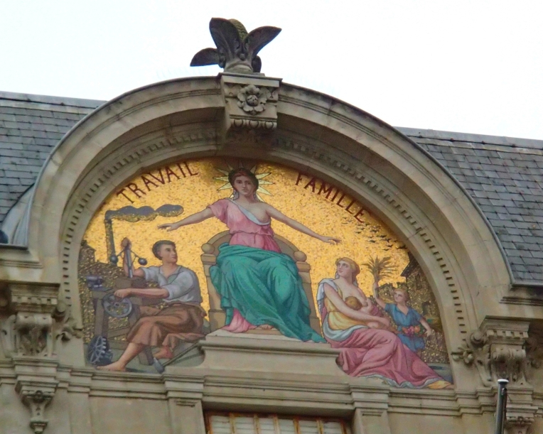 """Work"" and Family"" mural above the Caisse d'Epargne Bank at Boulevard Camille Pelletan"