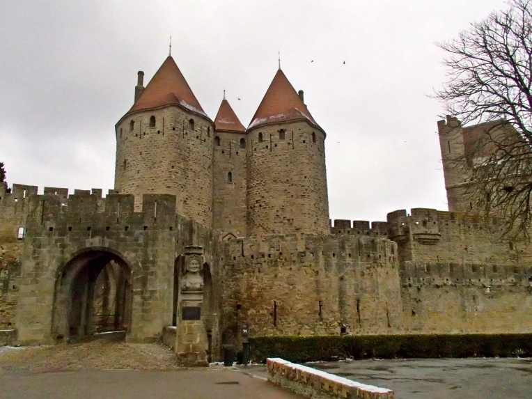 The Porte de Narbonne (Narbonne Gate) entrance to le Cité de Carcassonne.