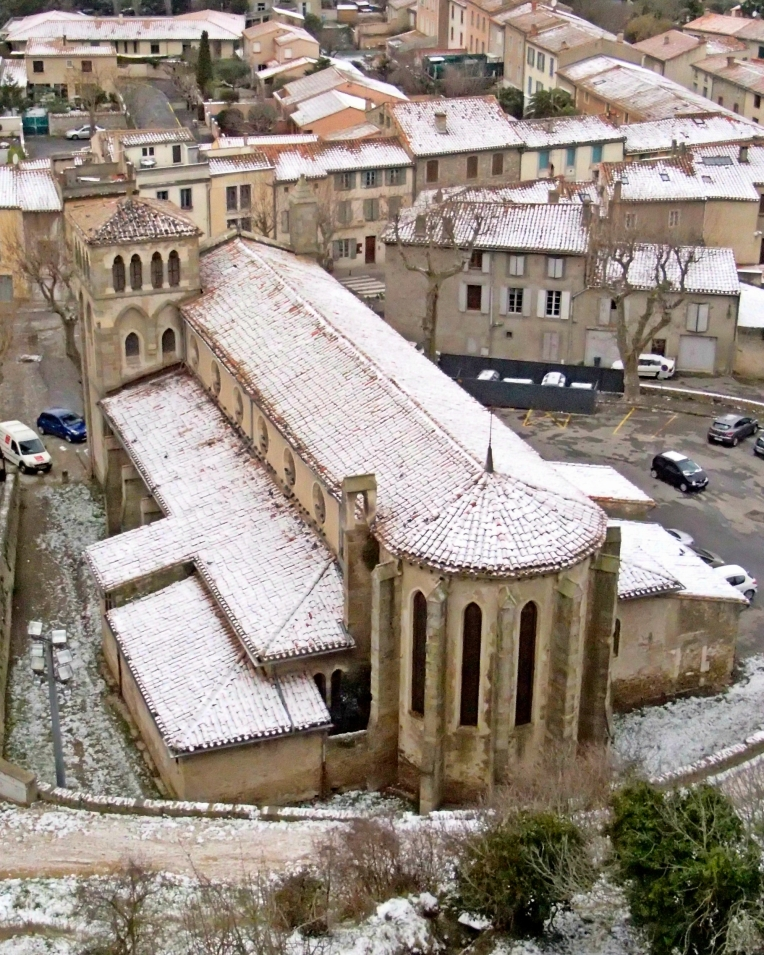 Snow on the roof of Eglise Saint-Gimer (Church of Saint Gimer) seen from the ramparts of le Cité de Carcassonne.