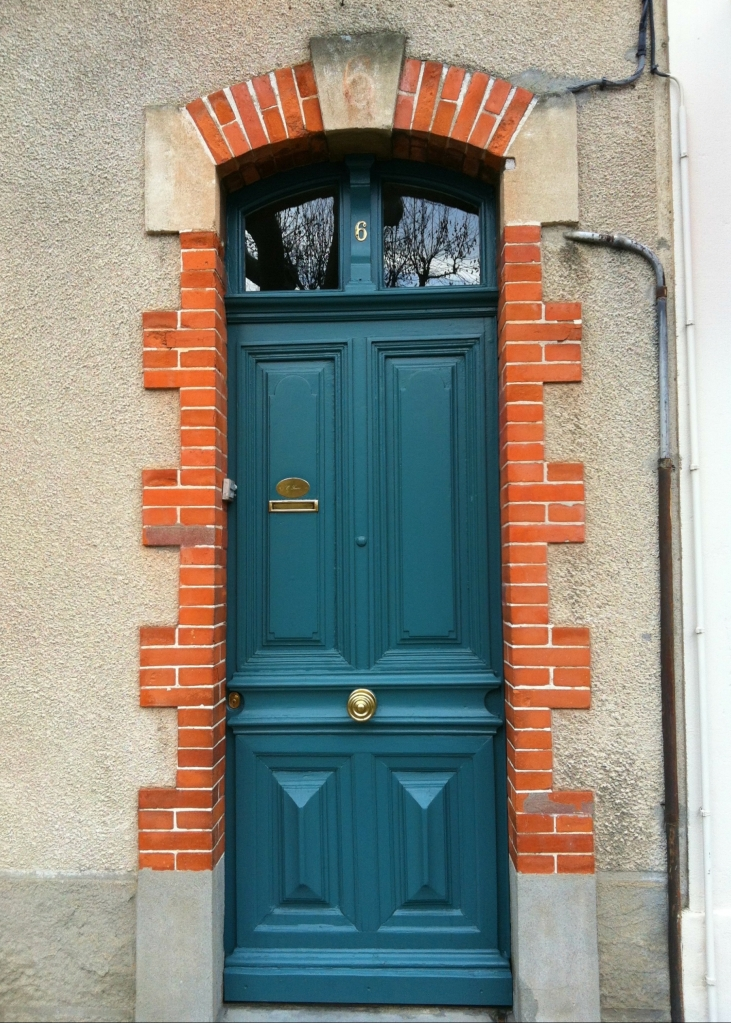 Colorful doorway along the Boulevard Jean Jaurès