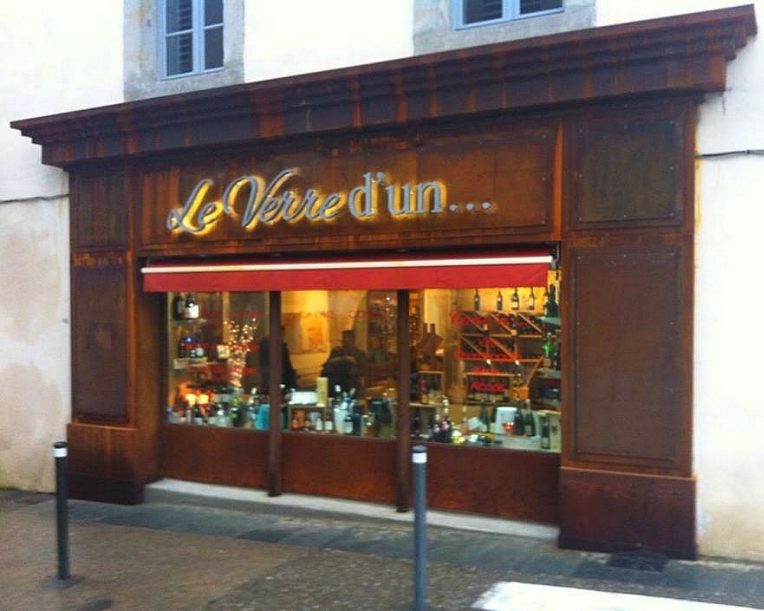 The iron façade of wine bar, Le Verre d'Un, on Rue de Verdun.