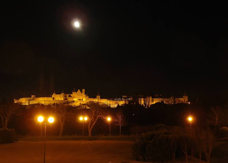 Full moon over the Cité de Carcassonne seen rom the Quai Bellevue.