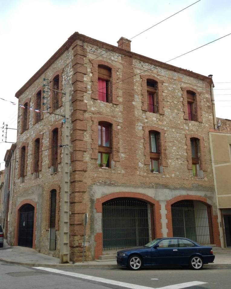 Building on the main street of Salses-les-Chateau that reminded us of a firehouse.