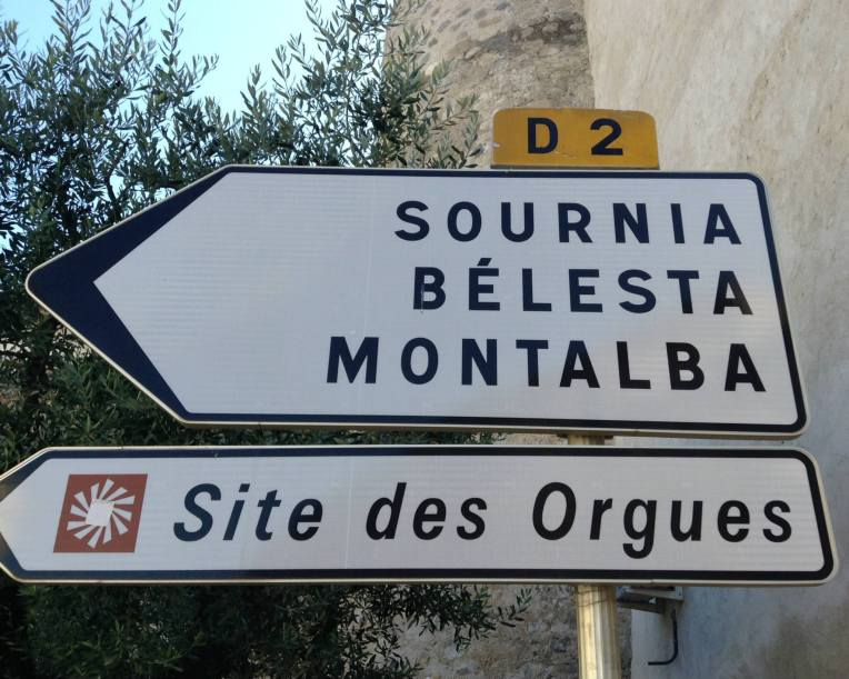 Directional sign for Les Orgues